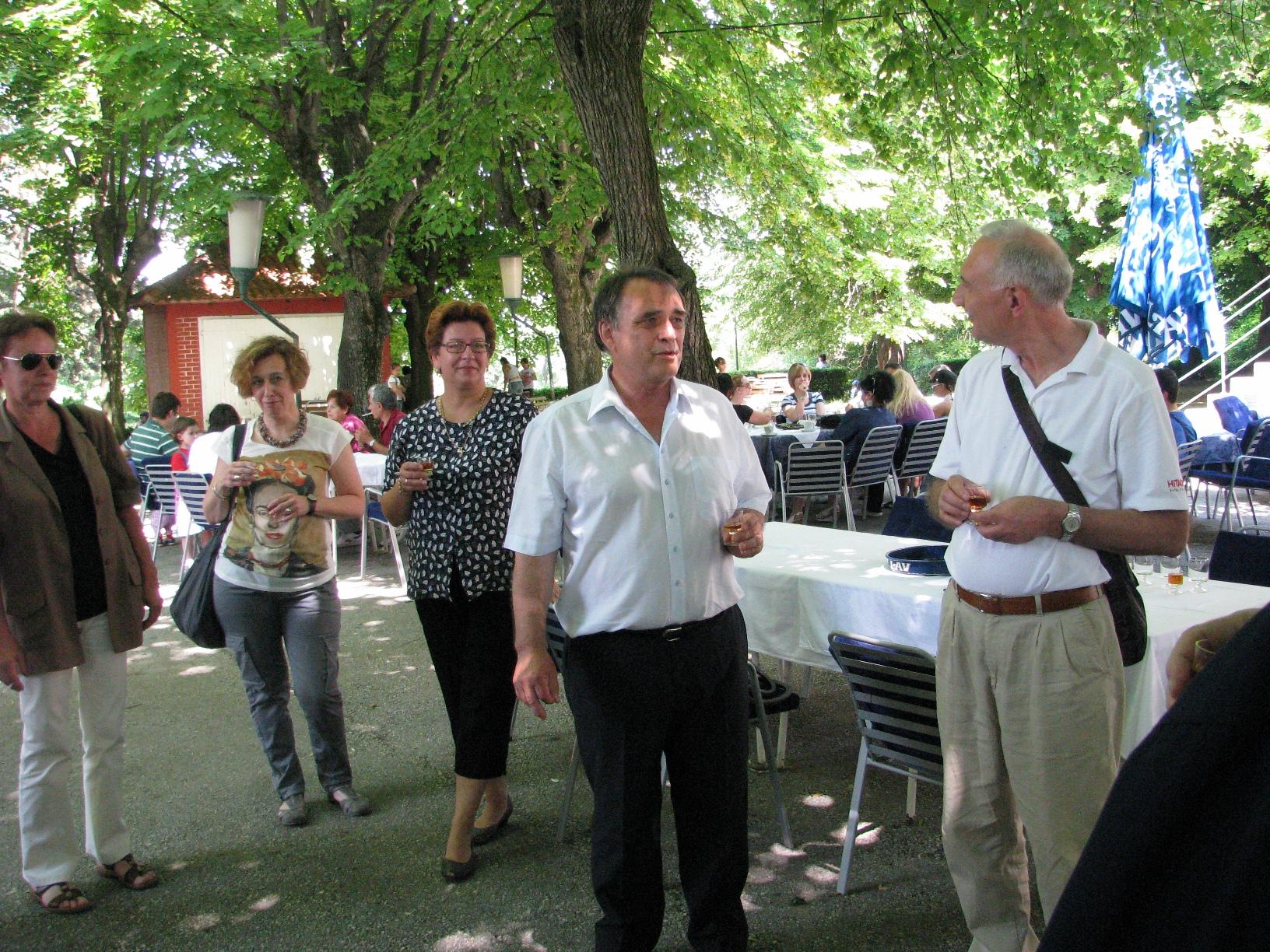 17_-_prof._dr_dobrivoje_mihailovic_drzi_zdravicu