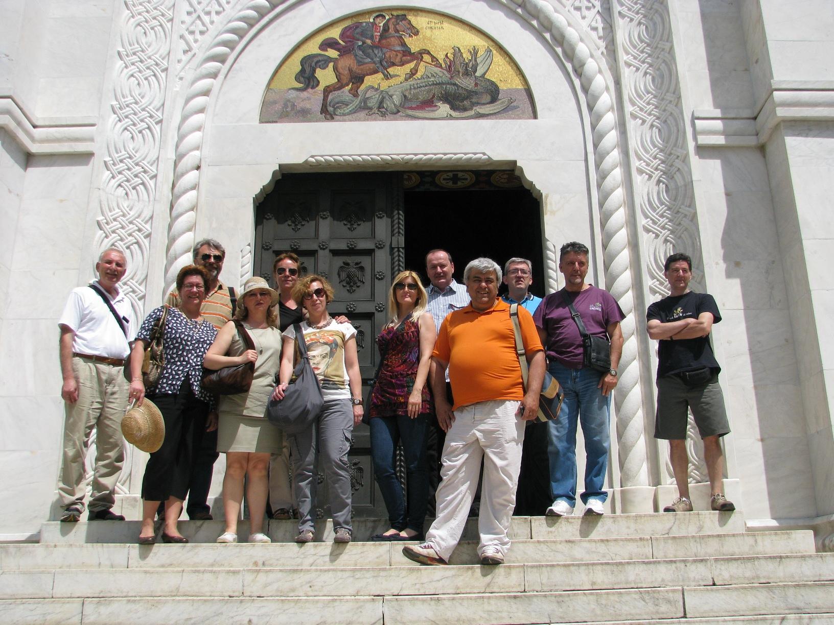 35_-_zajednicka_fotografija_ispred_crkve_svetog_djordja
