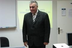 8-prof._dr_bozidar_radenkovic_najavljuje_predavanje